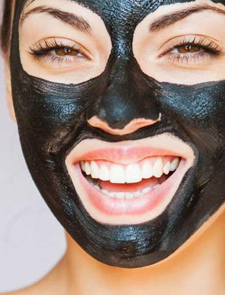 ¿Por qué el carbón es el ingrediente de moda en belleza?