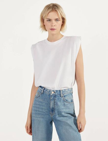 La prenda de esta temporada es esta camiseta blanca y cuesta menos de 20€